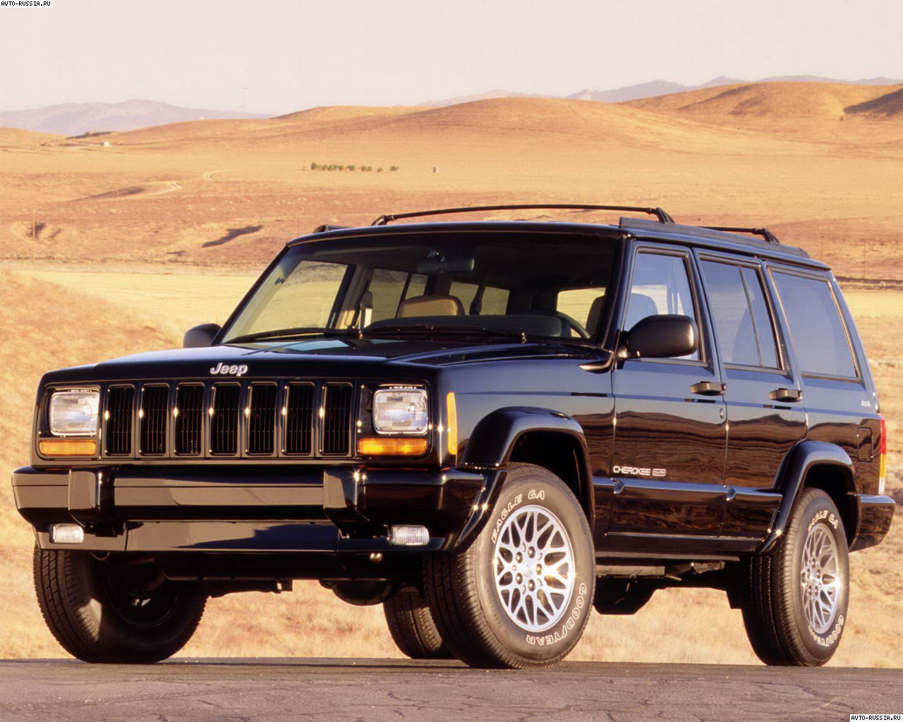 Фотографии Jeep Cherokee.