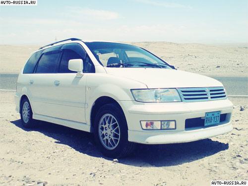 mitsubishi chariot, 1998 расход топлива 2.4