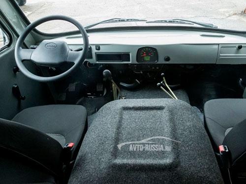 Технические характеристики УАЗ 3303 (Бортовой грузовик ...
