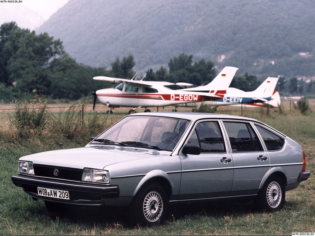 Volkswagen Passat Hatchback (B…